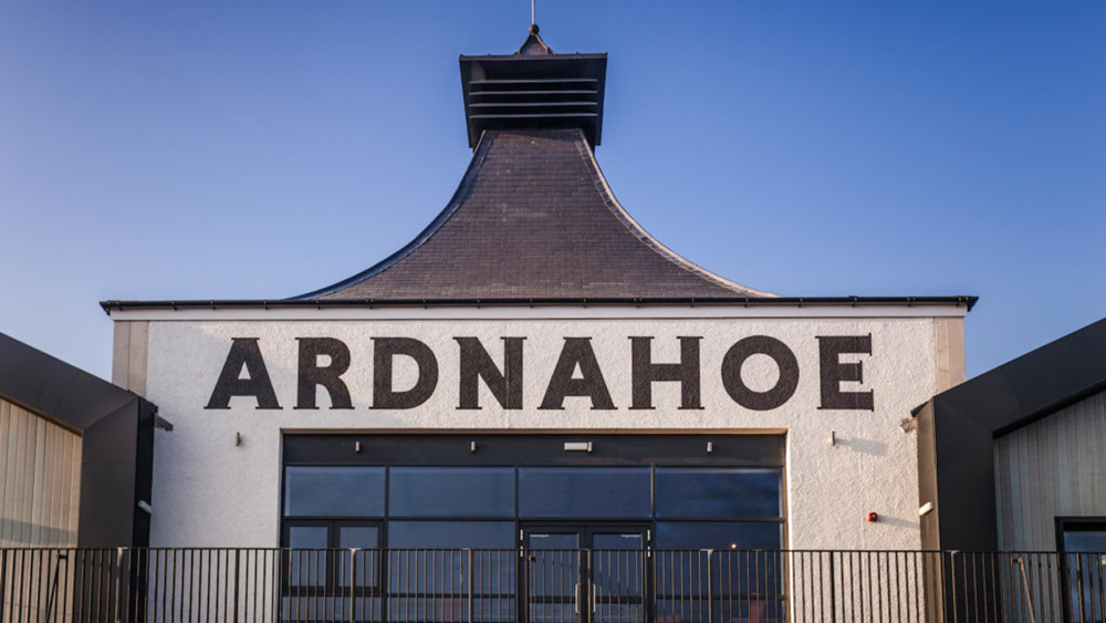 The exterior of Ardnahoe distillery