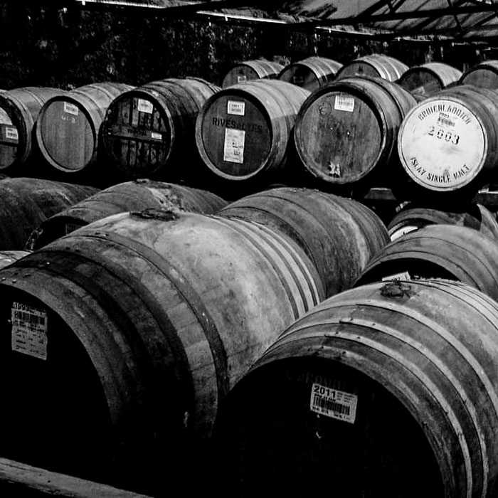 whisky-barrels-islay-wooden-barrels