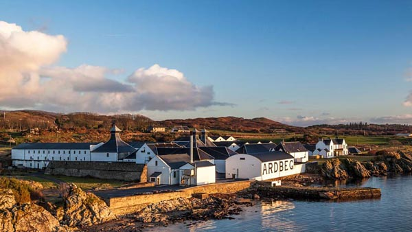 Distilleries-where-you-can-buy-a-cask-of-whisky